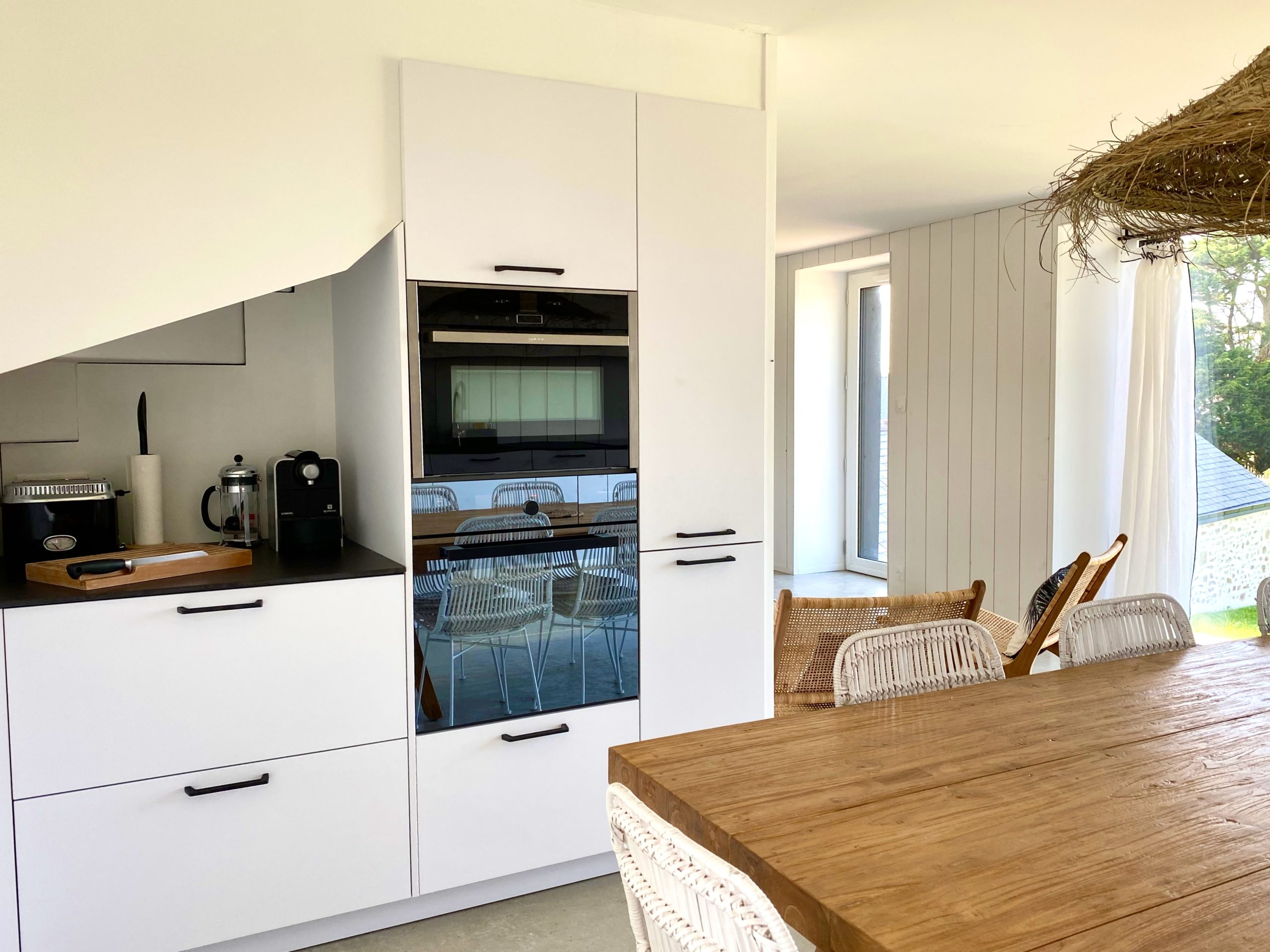 Very complete kitchen equipment: combined steam oven and combined microwave oven!