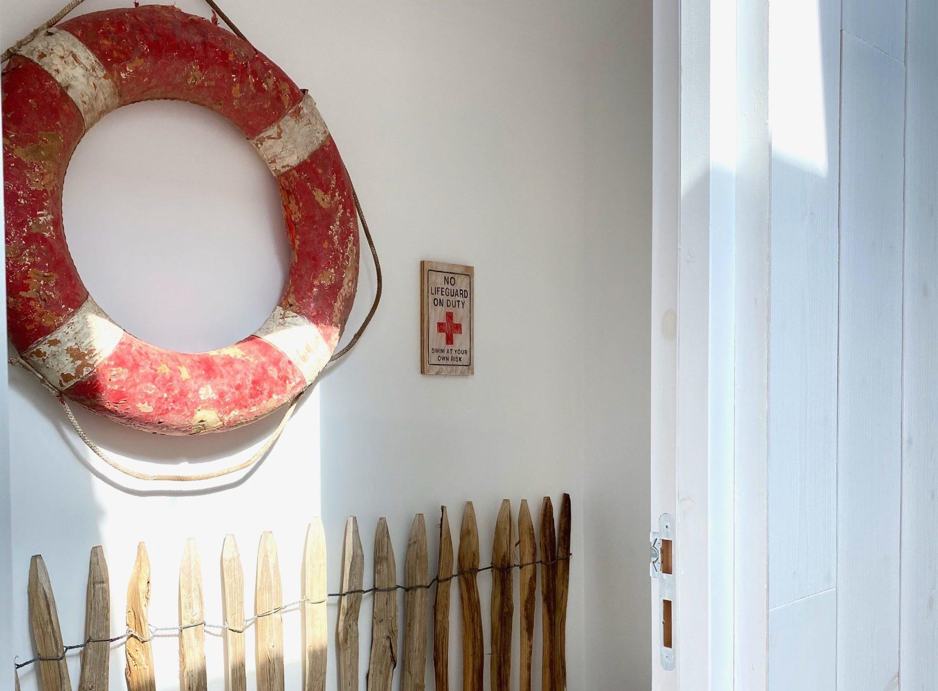 "Even the toilets have their ""Cabane des Dunes"" decoration!"
